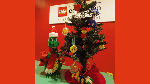 みんなで一緒に飾り付け★レゴ®ブロックツリーを作ろう!